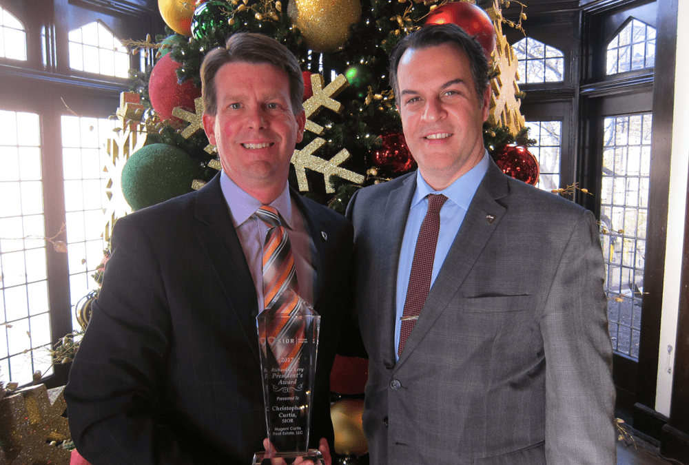 Christopher Curtis Honored with SIOR's Richard G. Levy Presidents Award